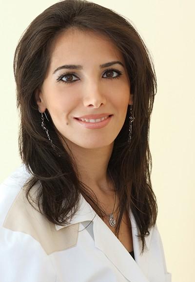 dr. Ameri Sahar fogszabályozó szakorvos